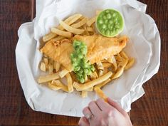 From old-school cornershops to edgy Japanese-British fusion, Melbourne's best fish and chip joints will have you licking the chicken salt off your fingertips. Best Fish And Chips, Fish And Chip Shop, Sydney Food, Melbourne, Seafood, Food And Drink, Good Things, Traditional, Eat