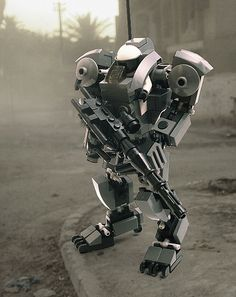 LEGO - Gorilla Hard Suit in the Field - Mech