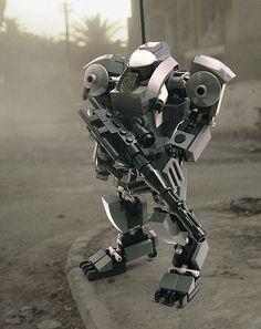 LEGO - Gorilla Hard Suit in the Field - Mech