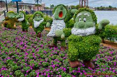 Dwarfs topiaries by aerog-pix, via Flickr