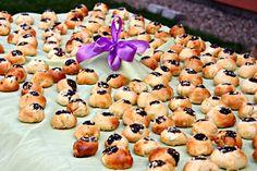 Kynuté-nekynuté (nejen) svatební koláčky (od 1 roku) | Máma v kuchyni Doughnut, Cake, Desserts, Food, Hampers, Tailgate Desserts, Deserts, Kuchen, Essen