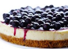 Cheesecake proteico com Cookies All Protein! - All Protein Easy Blueberry Cheesecake Recipe, Ultimate Cheesecake, Blueberry Topping, Cheesecake Recipes, Cheesecake Bars, Protein Cheesecake, Classic Cheesecake, Protein Cookies, Whey Protein