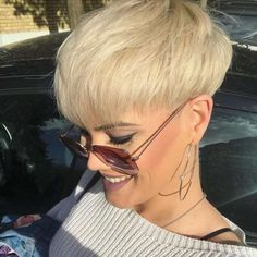 Sandra kurze Frisuren - frauen haar modelle - Hair and beauty - Short Wedge Hairstyles, Popular Short Hairstyles, Trendy Haircuts, Short Haircuts, Hairstyles 2018, Blonde Hairstyles, Pixie Hairstyles, Short Hair Cuts For Women, Short Hair Styles