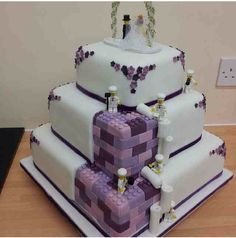 Really want this lego wedding cake.