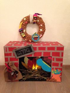 In december we have this ritual called sinterklaas. All the kids get presents and candy from Sint, especially if they've been good. Fun Craft, Craft Gifts, Diy For Kids, Crafts For Kids, Thema Deco, Cadeau Surprise, Diy And Crafts, Paper Crafts, Saint Nicolas