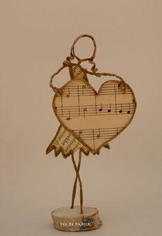 Big heart like that! – Big heart like that! Wire Crafts, Diy And Crafts, Sculptures Sur Fil, Wire Art Sculpture, Book Crafts, String Art, Altered Art, Metal Art, Art Dolls
