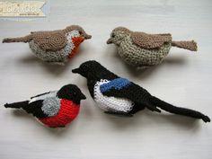 """Pájaro de Crochet Amigurumi - Patrón Gratis en Español ( Click en """"Movil Pájaros"""" en letras rosas) Aquí: http://patronesparacrochet.blogspot.de/2013/06/movil-pajaros-de-crochet-descoracion.html#.VAIwu6NQB8g - Fototutorial Paso a Paso aquí: https://www.flickr.com/photos/57707829@N02/sets/72157627878679217/page2/"""