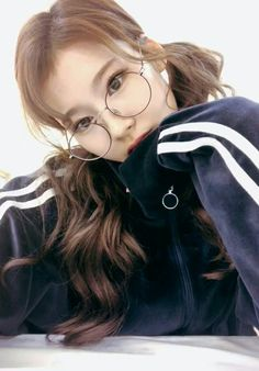 Find images and videos about kpop, twice and momo on We Heart It - the app to get lost in what you love. Kpop Girl Groups, Korean Girl Groups, Kpop Girls, Nayeon, K Pop, Sana Cute, Fall In Luv, Sana Momo, Sana Minatozaki