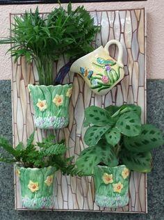 The Vinery Glass Studio: Dimensional Mosaic Tea Cup Planter Mosaic Garden Art, Mosaic Flower Pots, Mosaic Pots, Mosaic Wall, Mosaic Glass, Mosaic Tiles, Glass Art, Mosaics, Teacup Mosaic