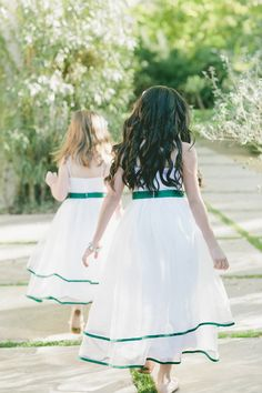 emerald green trimmed flower girl dresses Photography by onelove-photo.com    Read more - http://stylemp.com/sm4
