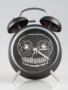 Skull Clock