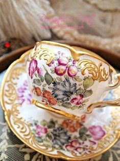Pretty Dresden cup and saucer set. Vintage Crockery, Vintage Tea Cups, Teapots And Cups, Teacups, China Tea Cups, My Cup Of Tea, Tea Service, Tea Cup Saucer, Afternoon Tea