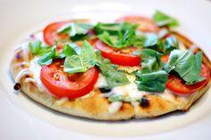 Margherita Pitas: 10 minutes, 4 ingredients, 200 calories, & SO yummy!!