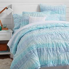 Pottery Barn Teen has teamed up with Kelly Slater to design an exclusive collection of bedding, lighting and accessories. Shop The Kelly Slater Collection for Pottery Barn Teen. Blue Bedding, Bedding Sets, Pb Teen Bedding, Teen Headboard, King Comforter, Kelly Slater, Bedroom Themes, Girls Bedroom, Houses