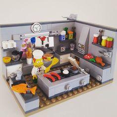 Never trust a skinny chef. #lego #legominifigures #legomocs #mocs #legostagram #instalego #legophotography #toystagram #toys #toyslagram_lego #legoaddict #legoclub #legoaddiction #brick #bricknetwork #brickcentral #afolclub #afol #minifig #minifigures #thesimpsons #comicbookguy #chef #kitchen #cooking #food #masterchef #hot #tasty #healthy by littlebrettylegolife