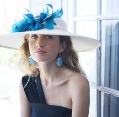 Tocas y pamelas boda Pamela, Crown, Jewelry, Fashion, Headpieces, Winter, Wedding, Moda, Corona