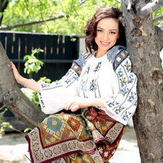 Romanian people National folk clothing (part Romanian People, Romanian Girls, Folk Costume, Costumes, Folk Clothing, Folk Fashion, Fashion Today, Traditional Outfits, Folklore
