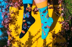 Understand your potential, your dreams, spread your wings and fly. Butterflies are a symbol of freedom, change of soul and creativity. They belong to the most beautiful creatures of nature. Each of us is like a butterfly ready to freely fly and change. These socks with symoblic creatures design will remind you of your uniqueness whenever you wear them. Symbols Of Freedom, Creature Design, Good Mood, Beautiful Creatures, Bleach, Dreaming Of You, First Love, Butterflies, Most Beautiful