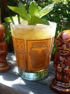 Tropical Mugs, Tropical Decor, Vintage Tiki, Vintage Bar, Tiki Art, Tiki Tiki, Rockabilly, Bamboo Bar, Tiki Decor