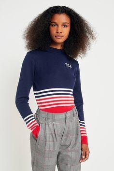 Achetez vite FILA - Pull court Jenna rayé en maille sur Urban Outfitters. Choisissez parmi les derniers modèles de marque en différents coloris dans les collections disponibles sur notre site.