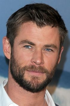 Hemsworth Brothers, Chris Hemsworth Thor, Most Beautiful Man, Gorgeous Men, Portrait Photography Men, Curly Hair Men, Marvel Heroes, Marvel Avengers, People Magazine