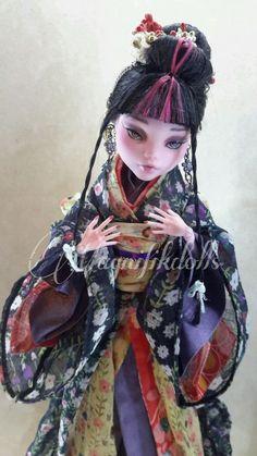 OOAK Custom Monster High Repaint Draculaura as Natsuki Riû by ✿Magnifikdolls✿ in Dolls & Bears, Dolls, Art Dolls-OOAK | eBay