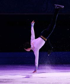 Denis Ten (KAZ) honoring his cultural, if not ethnic (Koreans are a minority) Kazaxh flavor!