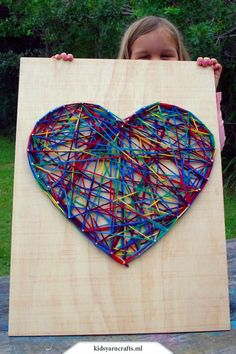 Simple string art for kids. Maybe a large scale collaborative project or smaller scale individual projects. WOOD Crafts for Kids! and crafts. Read more evaluations of the item by visiting the link on the picture. Class Auction Projects, Group Art Projects, Wood Projects For Kids, Classroom Art Projects, Art Classroom, Auction Ideas, Collaborative Art Projects For Kids, Preschool Auction Projects, Crafts For Kids