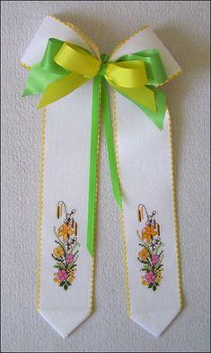Easter Cross, Decoupage, Cross Stitch, Sewing, Cards, Easter Ideas, Internet, Easter, Punto De Cruz