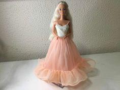 Boneca Barbie Mattel Antiga Usada   Mercado Livre Mattel, Tulle, Artist, Skirts, Fashion, Free Market, Barbie Dolls, Outfits, Moda