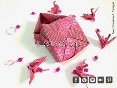 Móbiles de tsuru em tecido com caixinha, prontas para presentear!! ^^  Várias estampas para escolher!   Quer ver de perto? Vá na loja LáNaMá...
