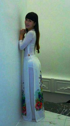 - Her Crochet Beautiful Long Dresses, Sexy Long Dress, Sexy Dresses, Fashion Dresses, Women's Fashion, V Dress, Fashion Illustration Dresses, Vietnamese Dress, Vietnamese Clothing