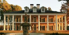 Home located in Wilsonville Al. with a lake , a barn or Antebellum home , have your wedding at any of the three :)
