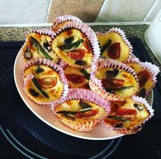 Slimming world syn free mini quiche muffins with cherry tomatoes, asparagus & mushrooms Slimming World Quiche, Slimming World Recipes, Asparagus And Mushrooms, Stuffed Mushrooms, Quiche Muffins, Clean Eating, Healthy Eating, Syn Free, Cherry Tomatoes