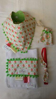 Kit bandana, paninho de boca, faixa e porta chupeta - Coisas Fofas Ateliê