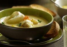 BOURRIDE TOULONNAISE - A Toulon, la bourride se cuisine avec des poissons blancs accompagnée d'aïoli et sans pomme de terre.