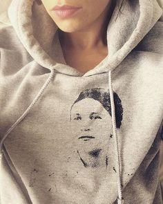 #hoodie @misscarpatica #hoodieseason #weekendmood #saturday #ootd #relax #screenprinting #misscarpatica #styleoftheday #whatiwear… Screenprinting, What I Wore, Relax, Ootd, Seasons, Hoodies, Jackets, Instagram, Fashion