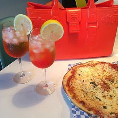 Cocktails and Pizza - now that is a #great lunch #GreatBagLife // This is #GreatBagCo #ModelM #Topaz #Orange #pizzaparty #bag // a @robertverdi project #GreatBag // #Swing one today! http://greatbag.co/