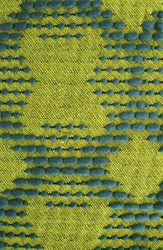 Mahlia Kent, Nueilly-Sur-Seine, France - very cool use of thick & thin yarn outlining figures Weaving Textiles, Weaving Art, Loom Weaving, Hand Weaving, Textile Texture, Textile Fiber Art, Weaving Projects, Weaving Techniques, Fabric Manipulation