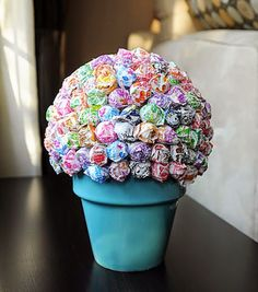 Image detail for -crafty, candy topiary tutorial: How to make a Lollipop Tree Lollipop Centerpiece, Lollipop Tree, Party Centerpieces, Lollipop Bouquet, Quinceanera Centerpieces, Lollipop Candy, Quinceanera Ideas, Candy Topiary, Holidays Events