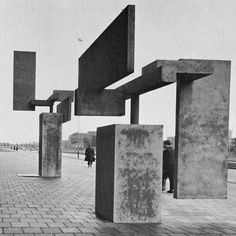 Carel Visser Reinforced Concrete Sculpture In The Hague, 1966 …Floating… Concrete Sculpture, Concrete Art, Abstract Sculpture, Sculpture Art, Geometric Sculpture, Art Concret, Art Et Architecture, Reinforced Concrete, Arte Popular