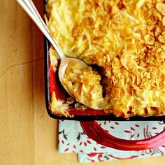 Heart Healthy Cheesy Potatoes - Better Homes & Gardens Reduced-fat soup, reduced-fat cheddar cheese, and light sour cream help transform this favorite holiday casserole into a hearty-healthy side dish. Healthy Potluck, Potluck Recipes, Side Dish Recipes, Healthy Cooking, Cooking Recipes, Healthy Eating, Sausage Recipes, Healthy Summer, Healthy Desserts