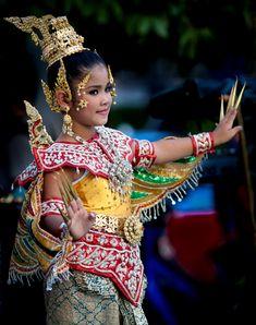 Thailand People | Thai Dance - Amaze me Thailand Photo Contest