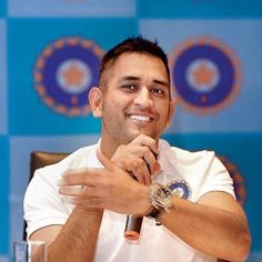 Mahendra Singh Dhoni Meltdowns its a cricketer who is giving director Neeraj Pandey hassle Discussion is that a biopic, to be made on the life of Indian cricket