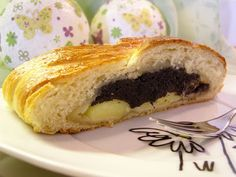 Hefezopf mit Vanille-Mohn-Marzipan-Füllung