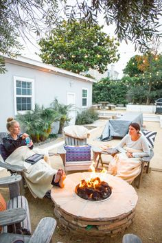 Fire pit: http://www.stylemepretty.com/living/2015/06/30/chic-los-angeles-bungalow/ | Photography: Brit Solie - www.Solie-Designs.com