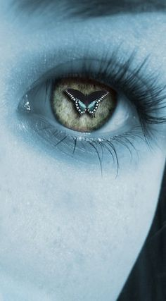 Surreal Eyes: Butterfly by sweetfaced-nobody on DeviantArt Pretty Eyes, Cool Eyes, Beautiful Eyes, Eye Photography, Street Photography, Candy Photography, Butterfly Eyes, Butterflies, Butterfly Kisses