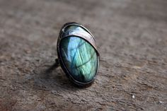 Labradorite stone ring, oval green  blue shiny, statement ring, Engagement ring, coctail ring, adjustable ring