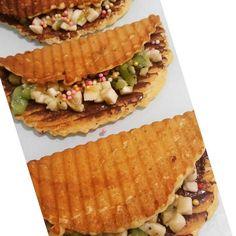 En güzel mutfak paylaşımları için kanalımıza abone olunuz. http://www.kadinika.com Waffle krizi tutarsa Mutfağa koşulur 5 dk tost makinasin da waffle yapilir Tarif 1 yumurta  2 yemek kaşığı şeker 3 yemek kaşığı eritilmiş tereyağ 1 pk vanilya  1\2pk kb.tozu Un Muz Kivi Çilek Pirinç patlagi Sarelle  #mutfakgram #gramtatlı #en_iyileri_kesfet #gramcikolata #tarifcegram #yemekrium #yemektakip #iyi_fikirr #instasunumlarim #onlinelezzetler #olsadayesek #paylasim_platformu #paylasim_askina…
