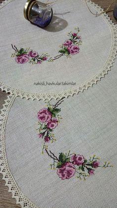 Bedroom set # cross-stitch - Home Decor Hardanger Embroidery, Embroidery Art, Embroidery Designs, Cross Stitch Designs, Cross Stitch Patterns, Blackwork Cross Stitch, Palestinian Embroidery, Free To Use Images, Cross Stitch Heart